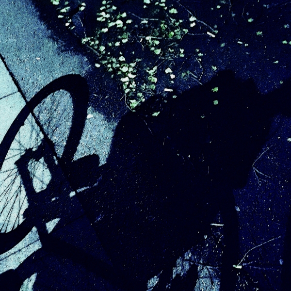 photo of babyjogger shadow, by Frits Ahlefeldt.
